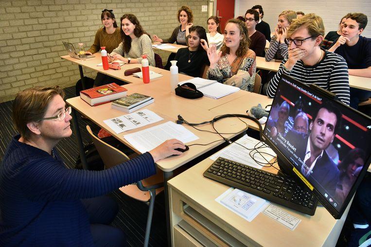 Studenten letterkunde op de Radboud Universiteit in Nijmegen. Beeld Marcel van den Bergh / de Volkskrant