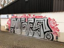 Spuiter van grote graffiti in Ermelo gezocht