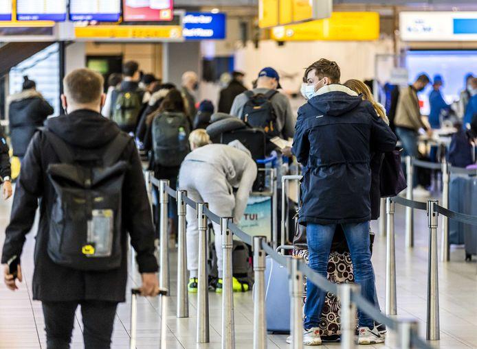 Negen passagiers die naar Marokko wilden reizen zijn opgepakt omdat ze een valse uitslag van een coronatest op zak hadden (foto ter illustratie).