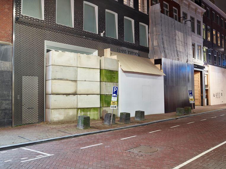 PC Hooftstraat met dichtgetimmerde gevels. Beeld Henk Wildschut, Rijksmuseum Amsterdam