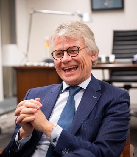 Apeldoornse politici lovend over vertrekkende burgemeester
