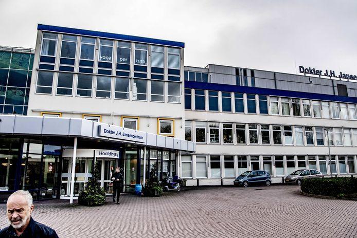 De in financiële nood verkerende IJsselmeerziekenhuizen met vestigingen in Flevoland en de Noordoostpolder zijn failliet verklaard door de rechtbank Midden-Nederland.