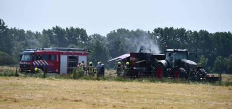 Brand in landbouwvoertuig in Oostkapelle