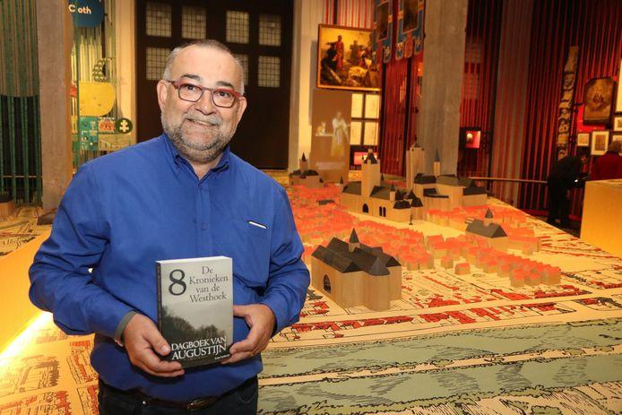 Ivan Verherpe met 'Dagboek van Augustijn'. Op basis van zijn boek is er nu ook een stadswandeling.