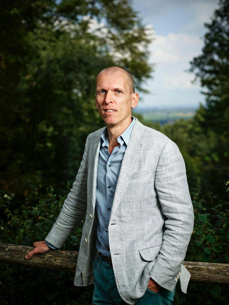 Johan Faber, de schrijver heeft een volledig nieuw verhaal geconstrueerd rondom de daad van de destijds 18-jarige Mathias Rust Beeld Merlijn Doomernik