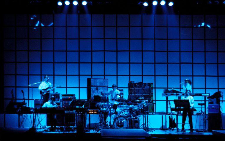 De Japanse band Yellow Magic Orchestra treedt op in de Hammersmith Odeon in Londen, oktober 1980. Beeld Redferns