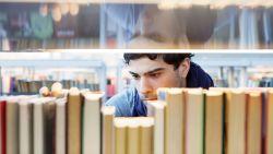 Man gearresteerd voor diefstal en fraude na 222 bibliotheekboeken te hebben 'uitgeleend'