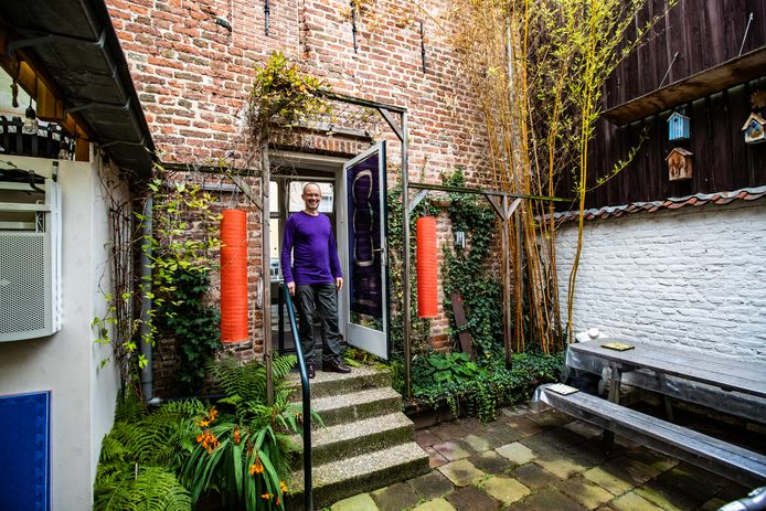 Hans van der Vlis opent 'zijn' monument eenmalig voor bezoekers.