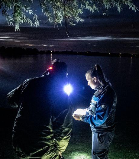 Een avond op pad met boa's: een kat-en-muisspel met jongeren die vuurwerk afsteken in Wijchen