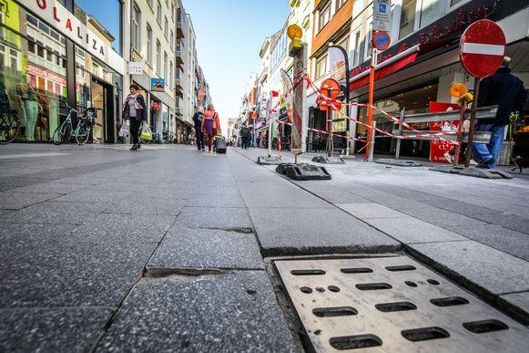 Ook in de Kerkstraat komt er een voetgangerszone