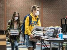 Deel schoolboeken pas in de herfstvakantie geleverd: 'Ontzettend teleurstellend'
