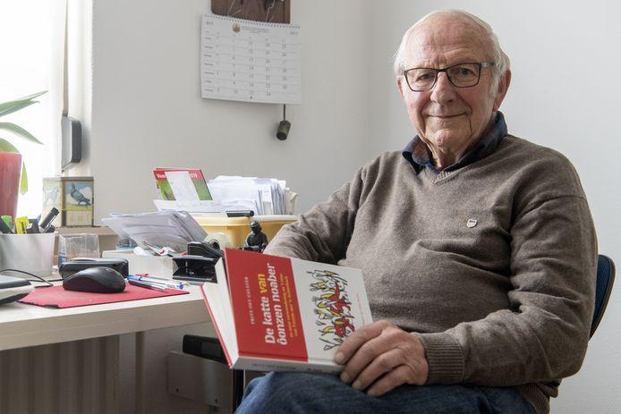 Frits Kolkman, Frits oet Gelster, met zijn nieuwe verhalenbundel.