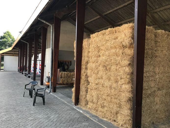 De stallen waar asbest is aangetroffen