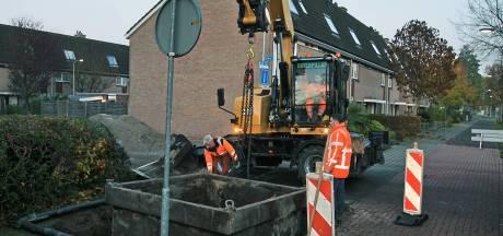 Ondergrondse containers nog niet in de grond; Culemborgs afvalbedrijf stuit onverwacht op leidingen