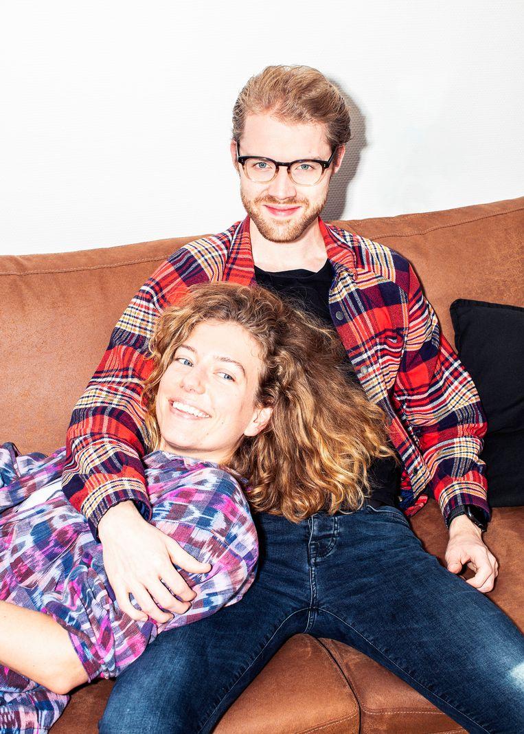 Linda de Munck en Jesse de Boer waren al tien jaar bevriend voordat ze begonnen met scharrelen.  Beeld Hilde Harshagen