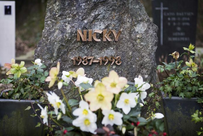 Het graf van Nicky op de R.K. Begraafplaats in Heibloem.