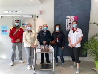 Rode Kruis steekt bewoners en personeel woonzorgcentrum Kruyenberg hart onder de riem met paasgeschenk