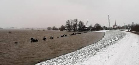 Sneeuw niet hinderlijk voor dijkinspecteurs; waterschap heeft vooral oog voor wellen
