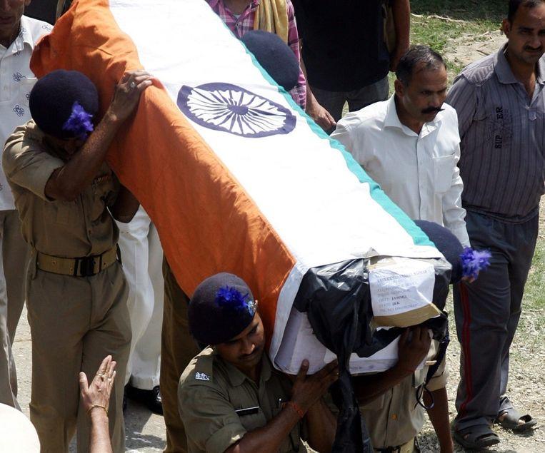 In mei kwamen ook al 7 politieagenten in India om het leven na een bomaanslag van de ultralinkse rebellen. Beeld epa