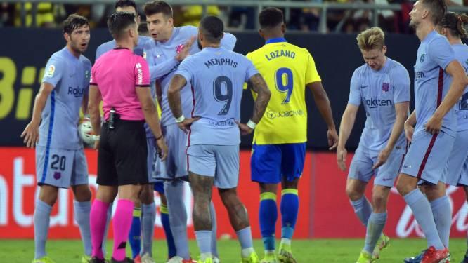 FC Barcelona wint weer niet: geen goals in Cadiz, wel rood voor Frenkie de Jong en gemiste kansen Memphis