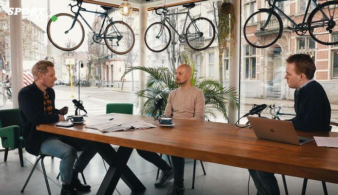Tom Boonen, hier geflankeerd door wielerjournalisen Stijn Vlaeminck en Maxim Goethals.