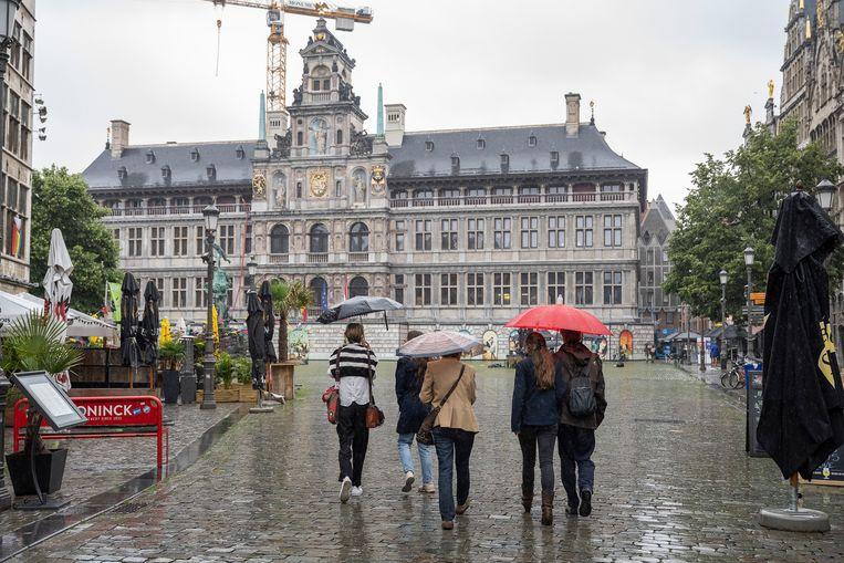 Ook in Antwerpen regende het. Beeld Klaas De Scheirder