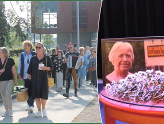 """Bekende cafébazin 'Claire van den Appel' krijgt anderhalf jaar na dood alsnog pakkend afscheid: """"Mensen verdienen het op een mooie manier van haar afscheid te nemen"""""""