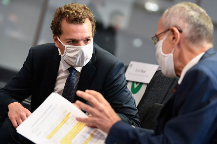 Covidcommissaris Pedro Facon (l.) en minister van Volksgezondheid Frank Vandenbroucke.