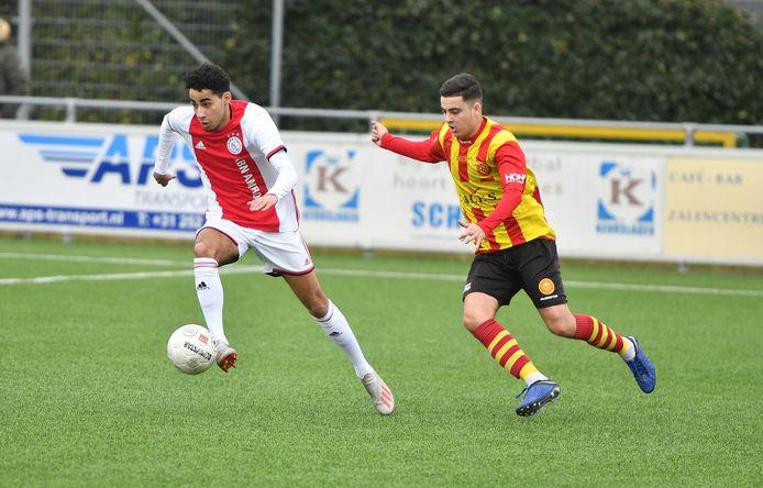 Met Ricardo Fransberg - namens Ajax in duel tegen Ter Leede - heeft Sparta Nijkerk een echte rechtsbuiten aangetrokken.