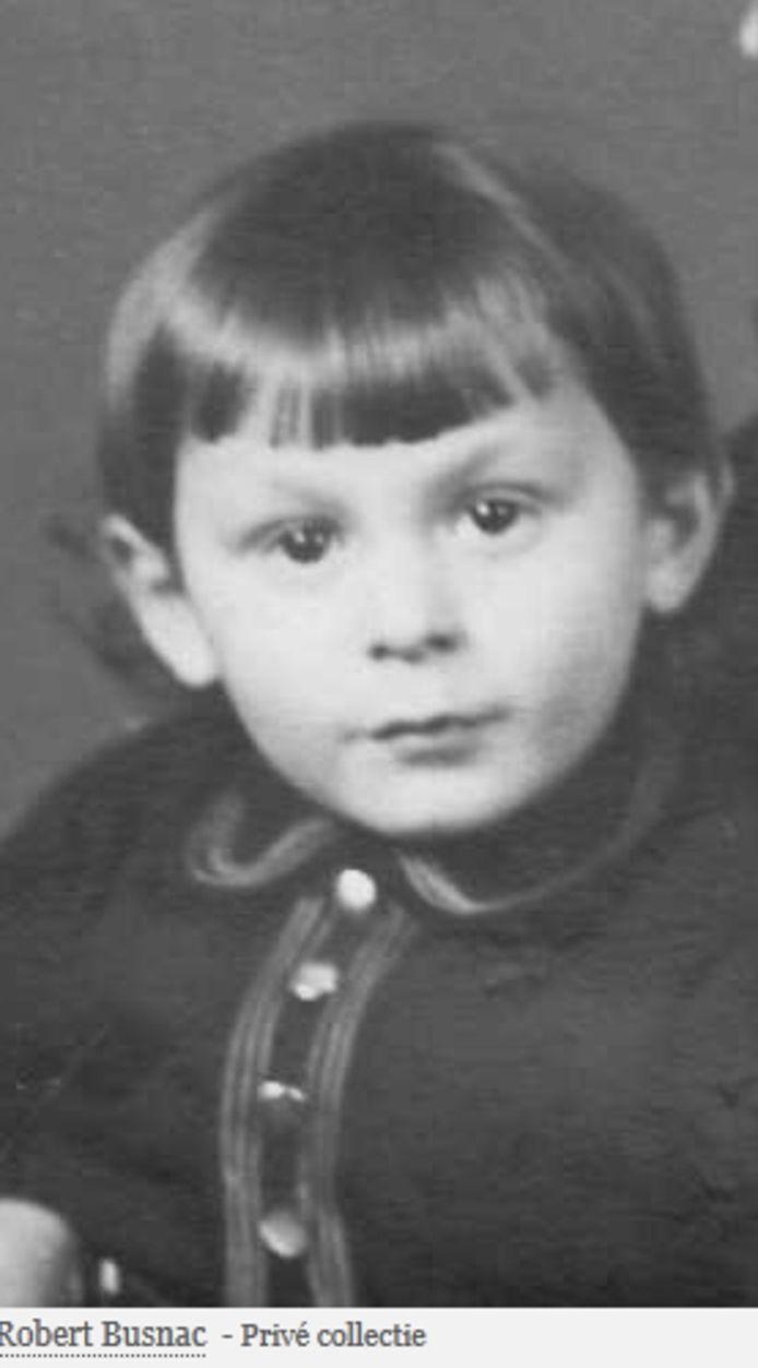Voor Robert Busnac (1940-1943), zijn vader, moeder, halfbroer en zussen worden in Moergestel op 1 mei 'Stolpersteine' gelegd.
