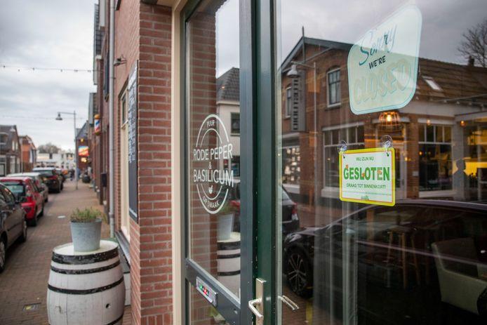 De horeca is dicht. Zo ook restaurant Rode Peper & Basilicum aan de Grotestraat in Ede.