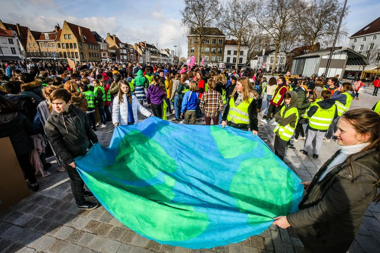 Een archieffoto van de eerdere klimaatmars in Brugge. Vlaams Belang Lier kant zich tegen een soortgelijke actie met scholieren in Lier.