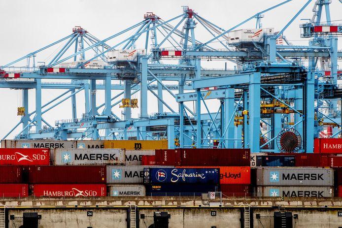 Terminals in de Rotterdamse haven.