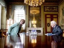 Informateur Hamer stopt nóóit: 'Als discussies te lang duren gaan de miniloempia's in de frituur'