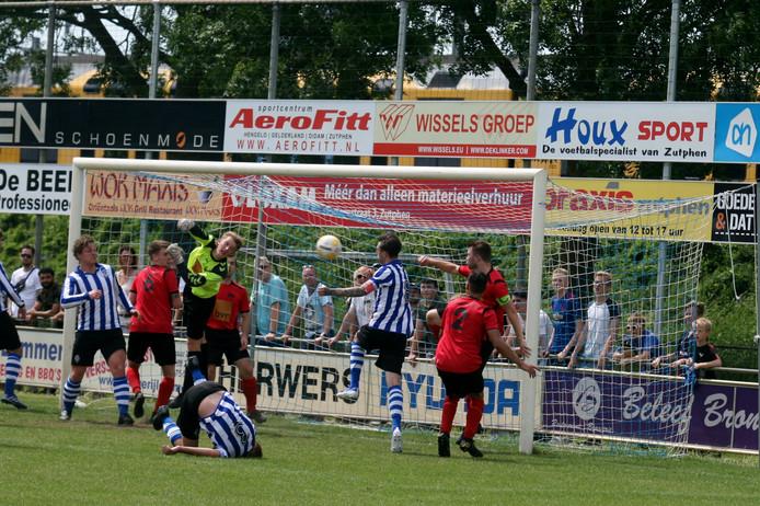 AZC ging op eigen veld ten onder tegen VDZ: 0-1.