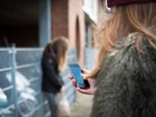 Waarom online pesten zo makkelijk is en wat we ertegen kunnen doen