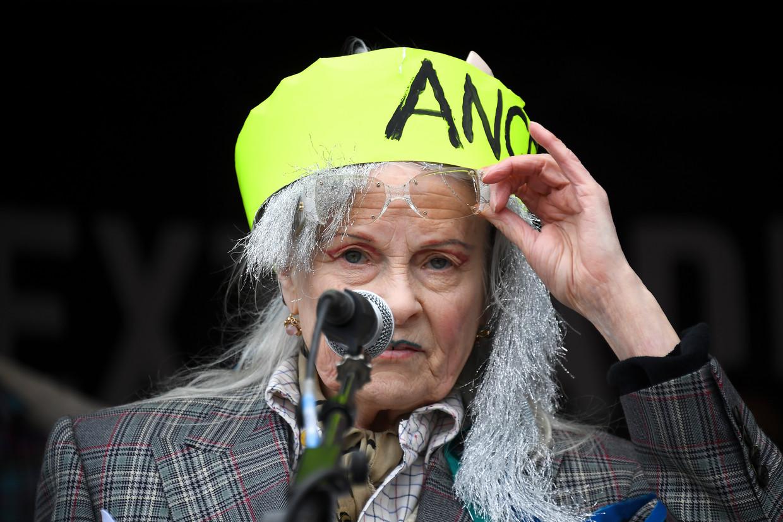 De Britse modeontwerpster Vivienne Westwood sprak tijdens de demonstratie in Londen.