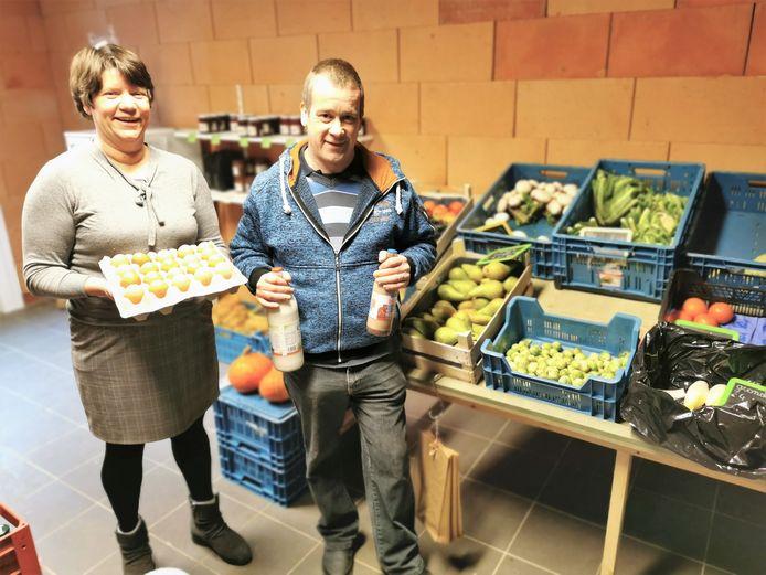 Christophe Day (45) en zijn vrouw Caroline Goevaerts (46) openden in Buizingen de hoevewinkel 't Hoeveke.