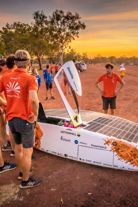 Delft grijpt koppositie na dramatische ontknoping Solar Team Twente