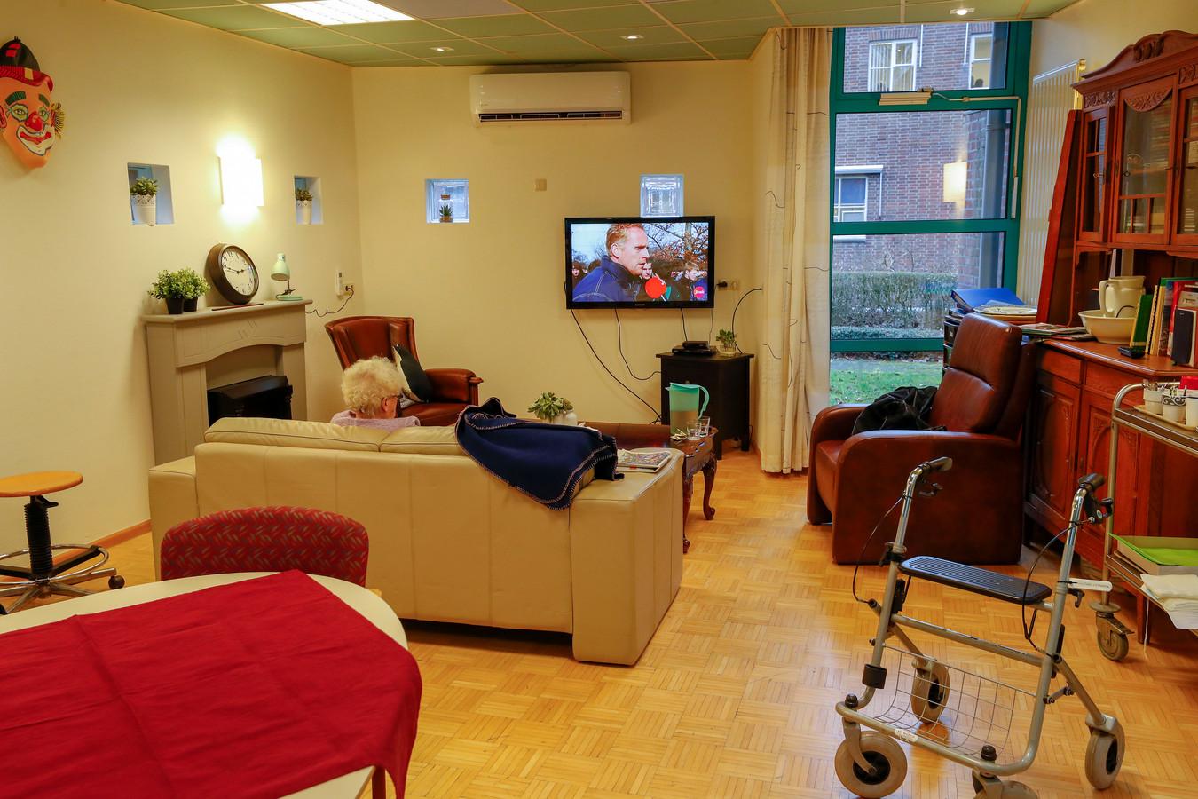 Een huiskamer in verpleeghuis Sint Jozefsheil in Bakel. Dementie is één van de vier psychische aandoeningen in de top tien van meest voorkomende ziekten. Foto ter illustratie