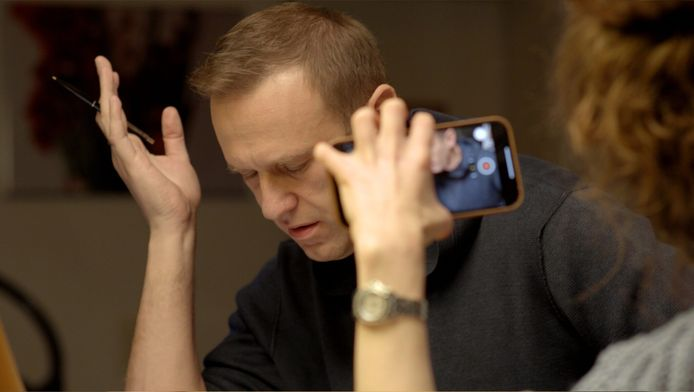 Navalny in gesprek met Konstantin Koedrjavtsev.