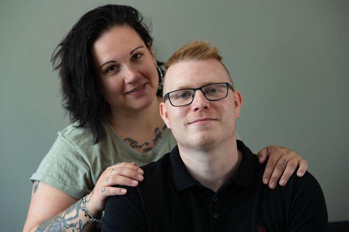 Andrew Jagersma samen met zijn vriendin Tamarah. Andrew werd vlak voor kerst in coma geslagen.