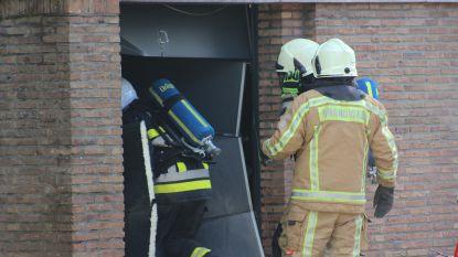Alerte buren en brandweer voorkomen erger bij garagebrand in Sint-Michiels
