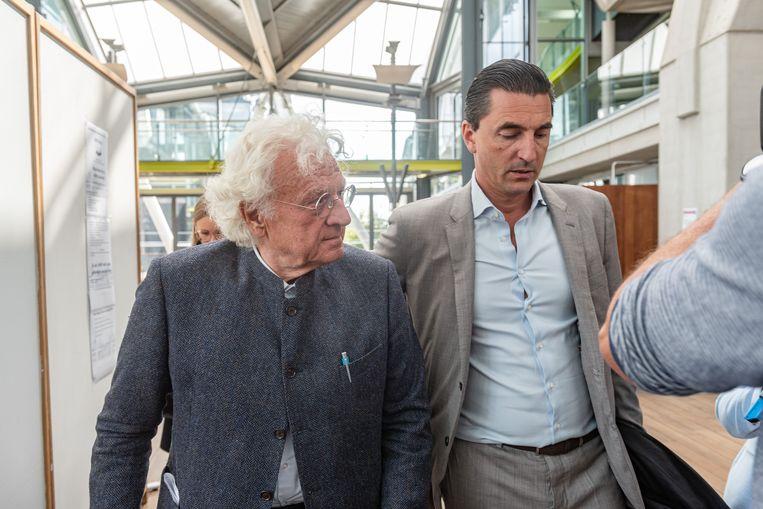 Bo Coolsaet en zijn advocaat Kris Luyckx. Beeld BELGA