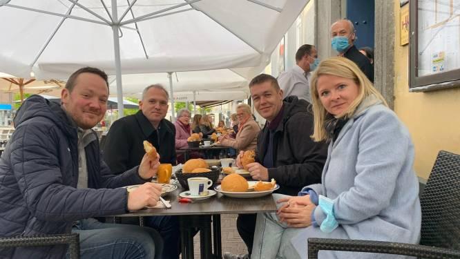 Vlaams minister Matthias Diependaele start dag met ontbijt op Markt in Zottegem