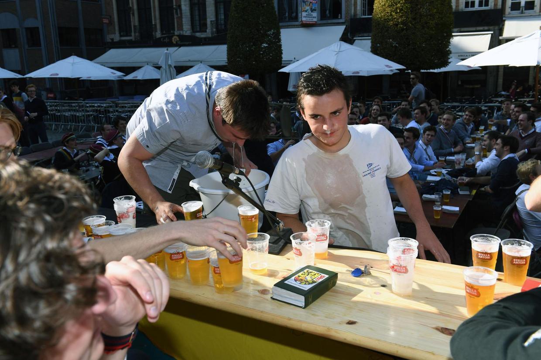 'Student zijn = drinken', die beeldvorming is volgens experts nog veel te prominent aanwezig. Beeld Vertommen