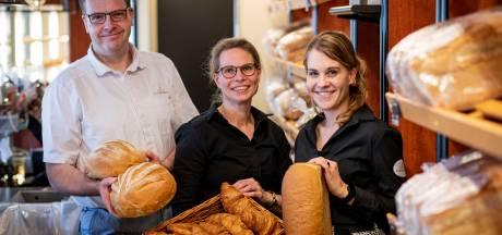 Derde generatie aan het roer bij Bakkerij Voortman in Rijssen: 'Samen de schouders eronder'