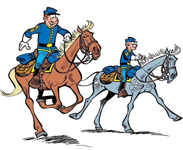 Sergeant Chesterfield en korporaal Blutch in 'De blauwbloezen'. Beeld rv