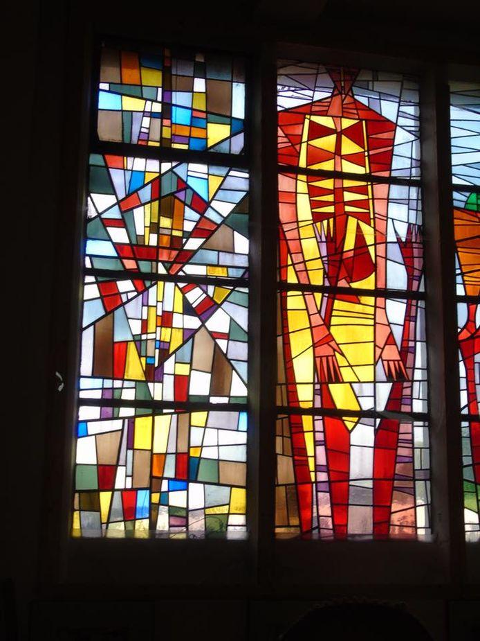 Glasramen in de kapel van het ruisthuis Sint-Job