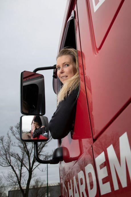 Jong, blond, vrouw én vrachtwagenchauffeur: 'Ik loop er niet als een poppetje bij'